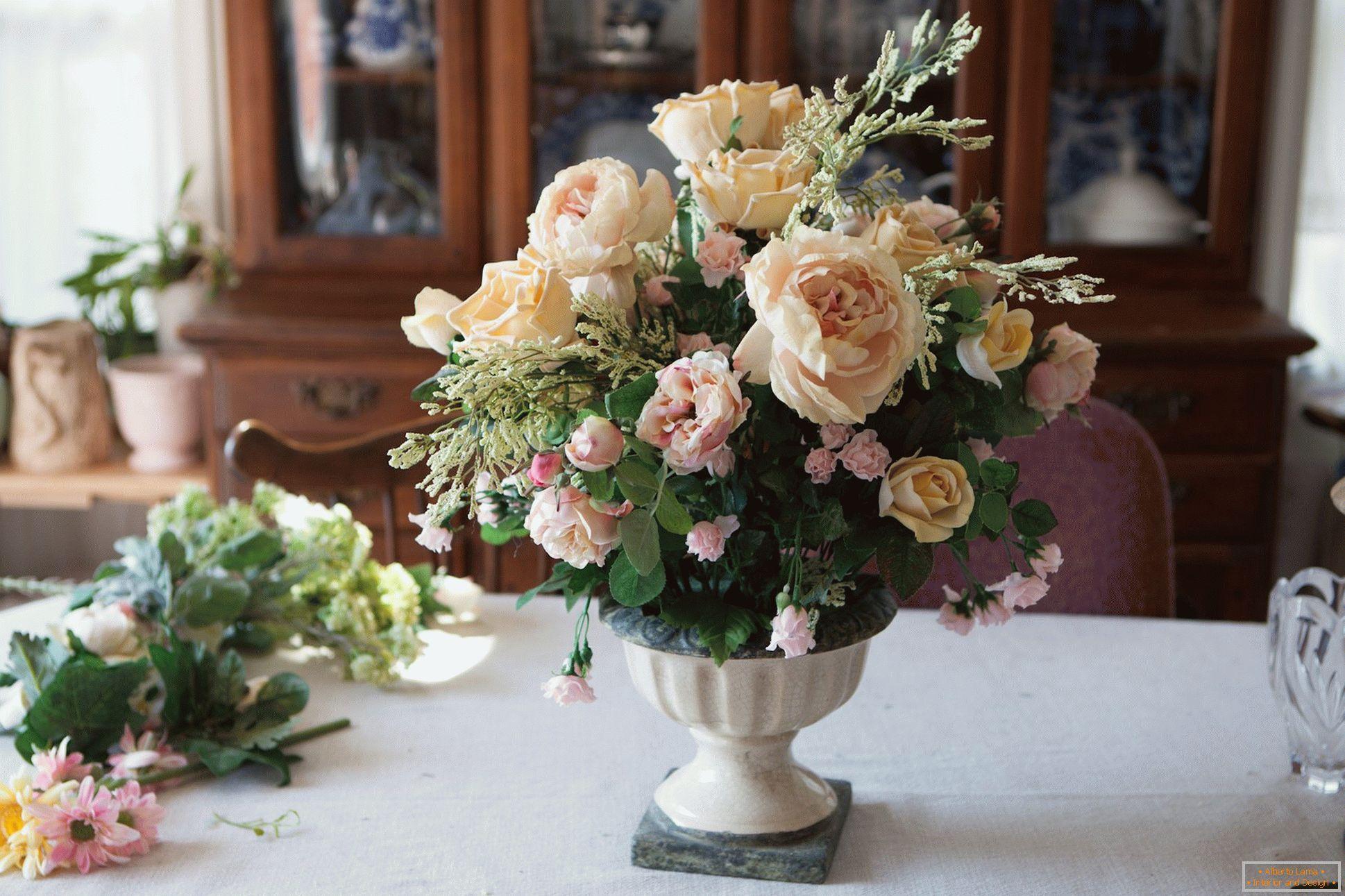 Buketi I Kompozicije Veštačkog Cvijeća