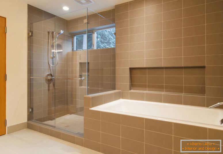 build-llc-bav-master-bath-05